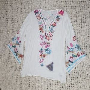 NWOT Z&L Floral Embroidered Lace Up Tunic Top